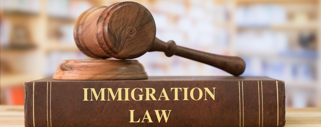immigration lawyer near me in Toronto, ON